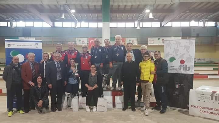 Foto di gruppo al Bocciodromo di Campobasso, luciana Valente